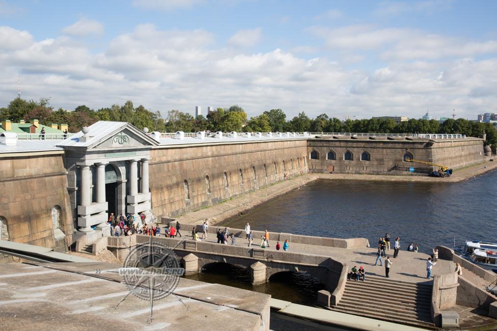петропавловская крепость высота: